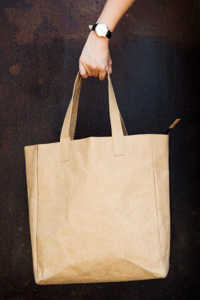 موکاپ کیف دستی چرمی